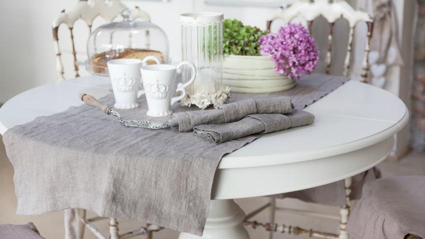 Apparecchiare la tavola con i runner novit del corredo - Tovaglie da tavola eleganti moderne ...